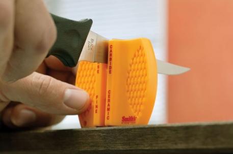 Точилка Smith's CCKS - двухсторонняя для ножей.