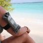 Маленький гермочехол Aquapac для телефона ну руку - фото 5